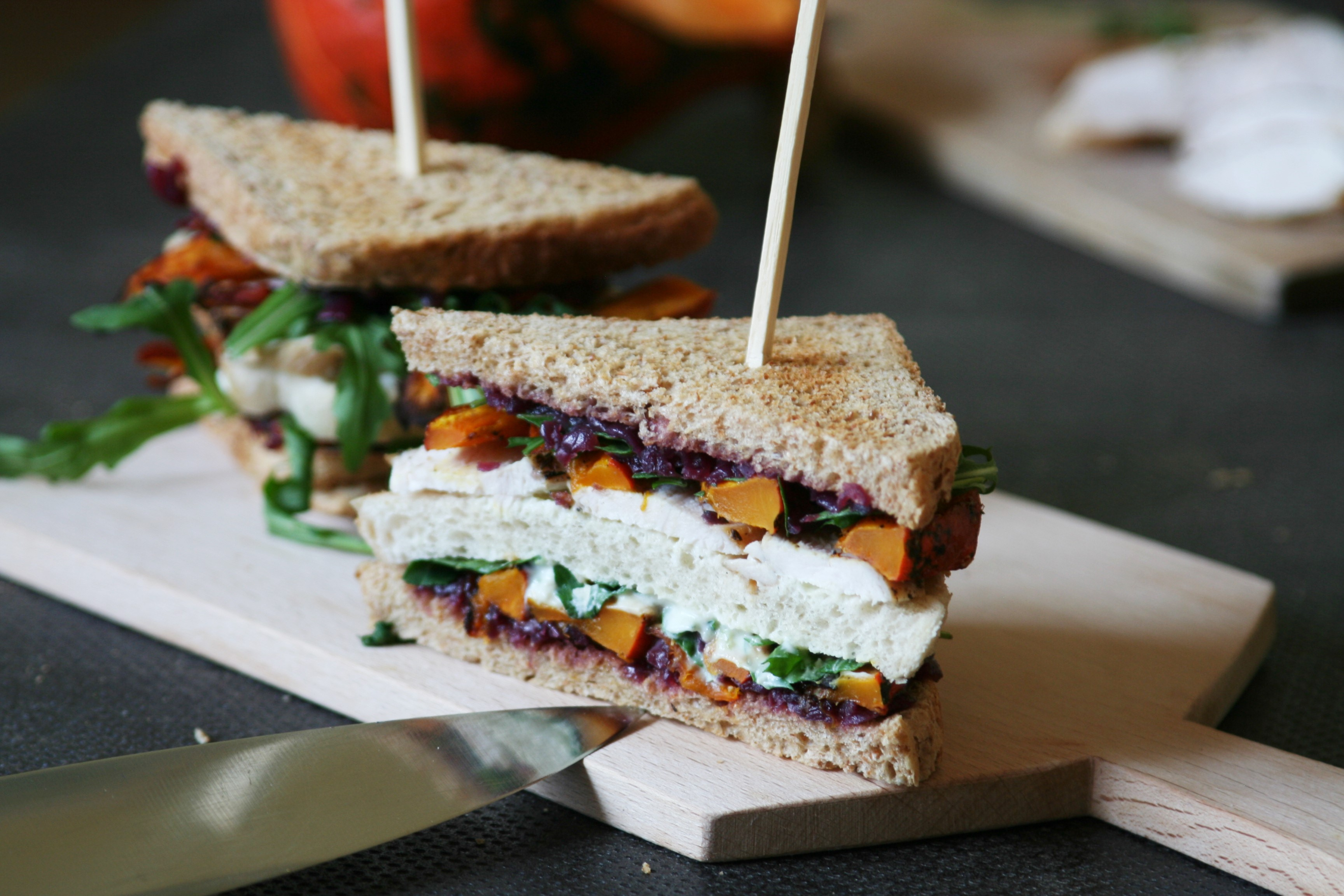Kuřecí sendvič s dýní a karamelizovanou cibulí