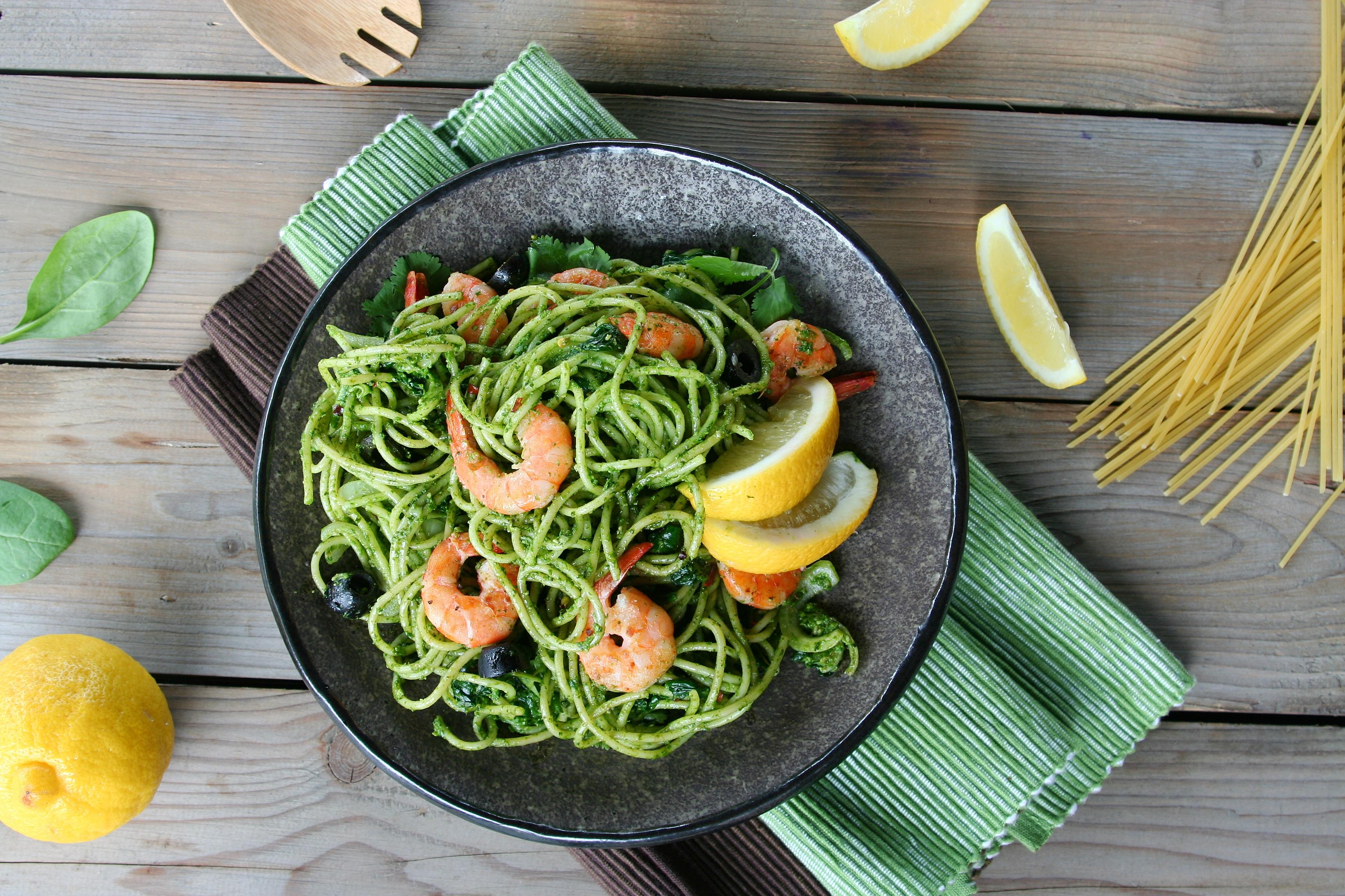 Špagety se špenátem a krevetami