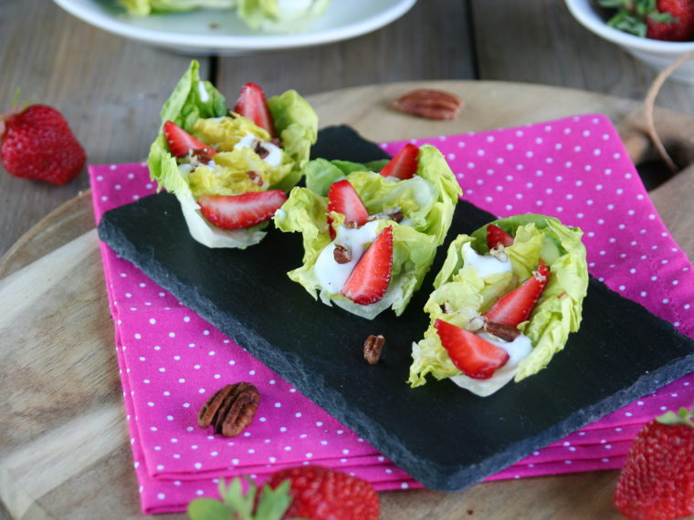 Salát little gem s jahodami