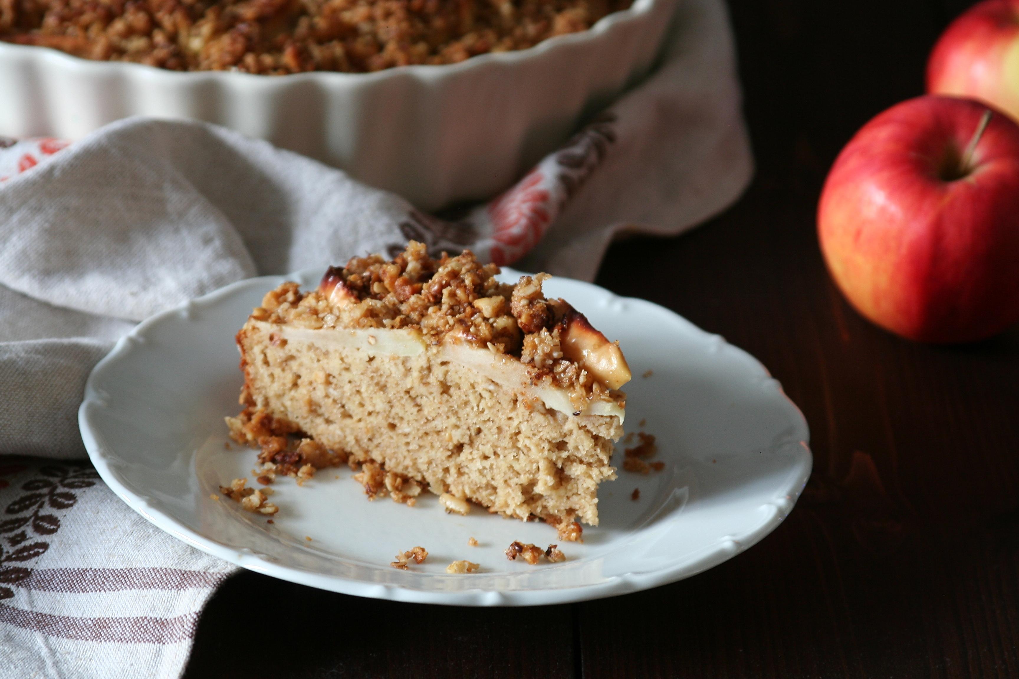 Jablečný koláč s ořechovou drobenkou
