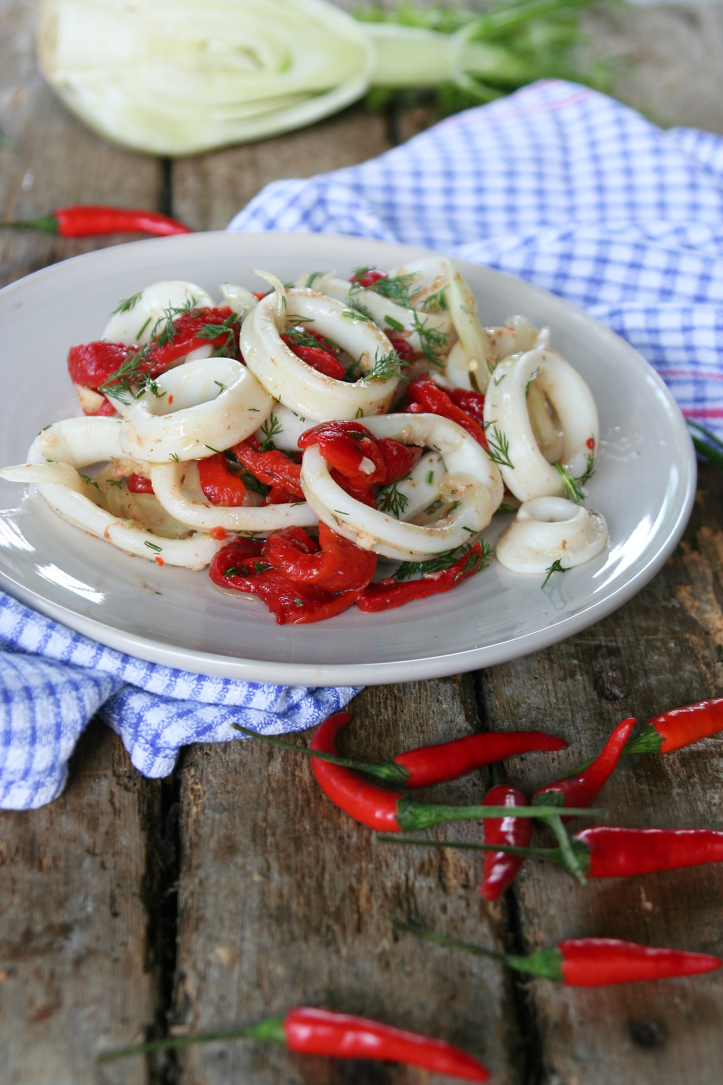 Kalamáry s pečenou paprikou