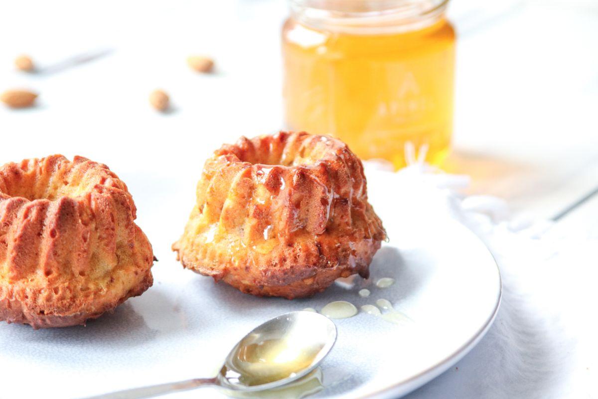 Medové bábovičky s mandlemi