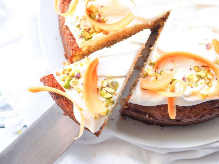 Mrkvový dort s kokosem a čočkovou moukou
