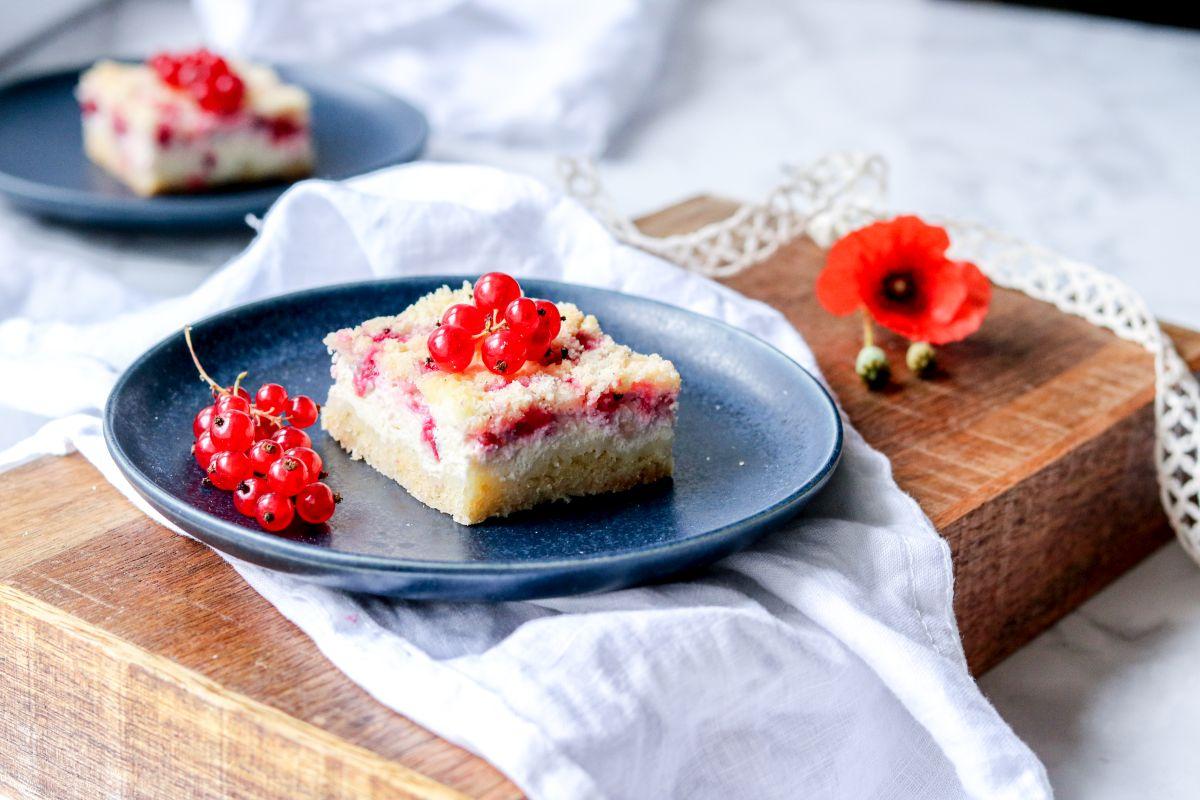 Tvarohový koláč s rybízem